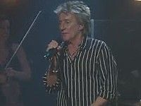 Watch Rod Stewart preview new songs at the Troubadour
